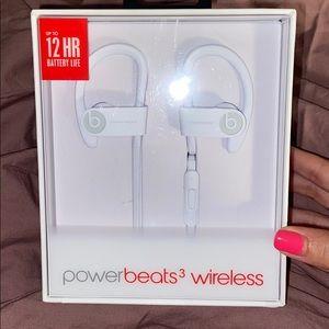 Powerbeats 3 Wireless Earphones with Carrying Case